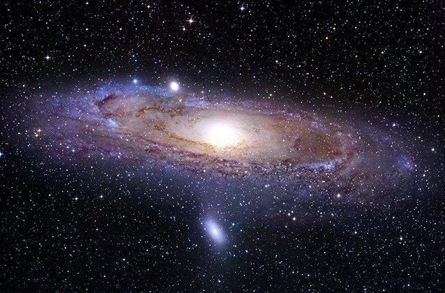Ràdio Maria és l'única emissora que se sent bé a qualsevol racó de l'Univers