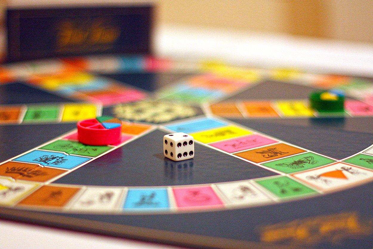 Experts certifiquen que la carrera d'Història només serveix per guanyar al Trivial