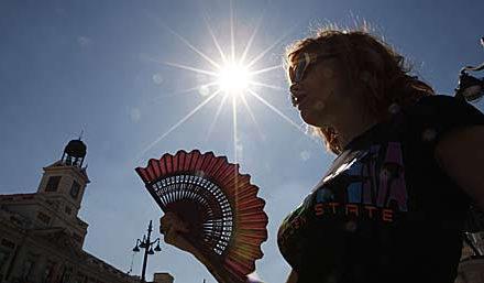 """El Govern espanyol no reconeixerà el REB però sí que a Madrid """"fa una calor més seca""""."""