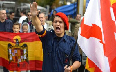 "Un ultra dretà espanyol bloquejat entre ""los catalanes no son Españoles"" i ""Cataluña es España"""