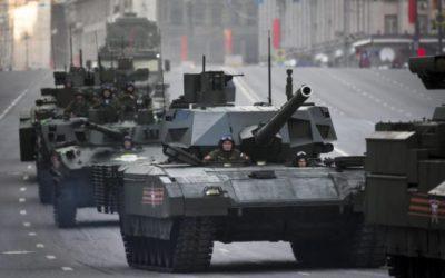 L'exèrcit espanyol treu els tancs al carrer però es queden sense benzina