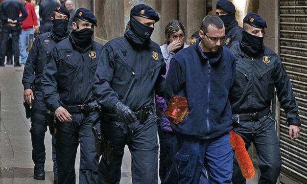 Desarticulada una xarxa de catalans que es feien passar per mallorquins per follar més