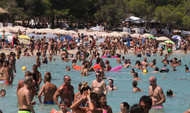 Un infant mor per cada plaça turística no ocupada a les Balears